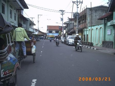 Naik Becak keliling Yogyakarta