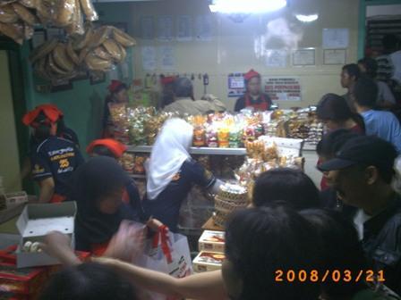 Beli Bakpia Pathok di tempatnya di jalan Aipda KS Tubun Yogyakarta