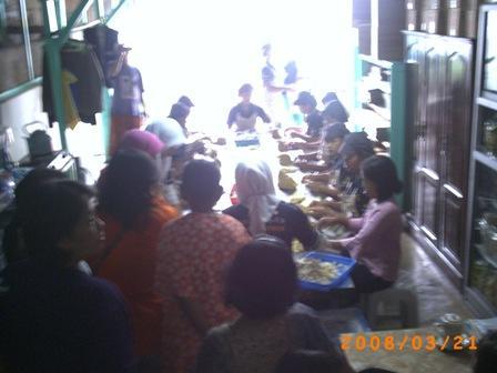 Beli Bakpia Pathok di tempat bikinnya di jl Aipda KS Tubun Yogyakarta