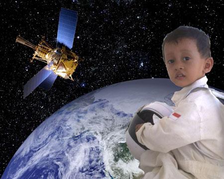 """Foto """"Astronot"""" Dede Irfan..."""