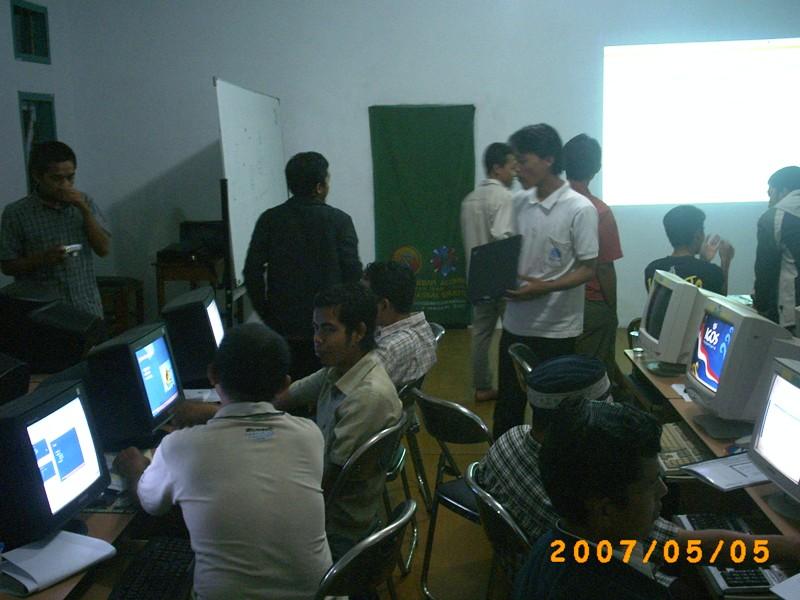 Training Open Source untuk Asatidz Pesantren Rancabango