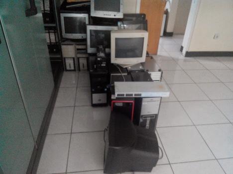 Komputer Rusak Kantor 2