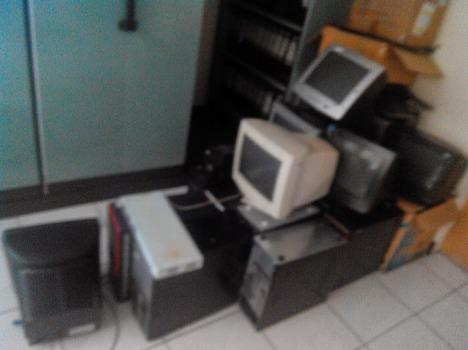 Komputer Rusak Kantor