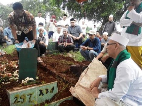 Pemakaman Haji Marhusin